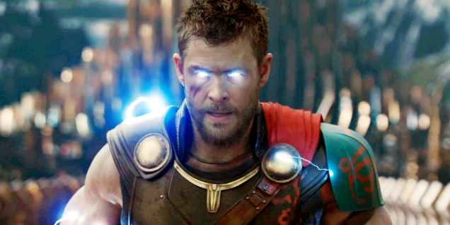 Thor-Ragnarok-Glowing-Eyes-Lightning